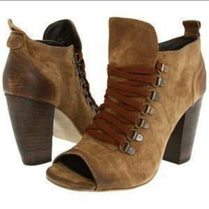 Boutique 9 Abeke Booties